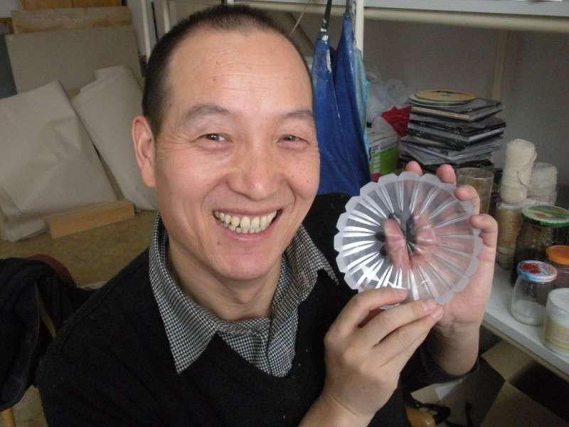 Mr. Zhu Li Min with his bowl